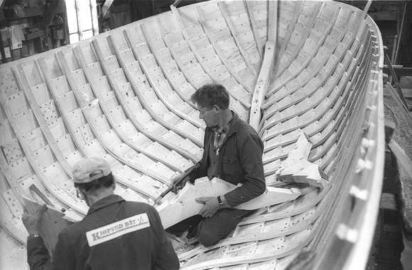Filosofisk kvarter; Skaperkraften. Har båter sjel? Kan båter skape seg selv?