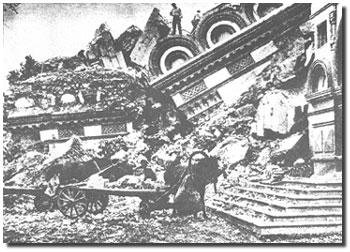 Etter å ha tatt makten i Russland, fant Jødiske ledere glede i å ødelegge kristne kirker. Noen ble laget om til staller, andre til fabrikker og lagerhus.