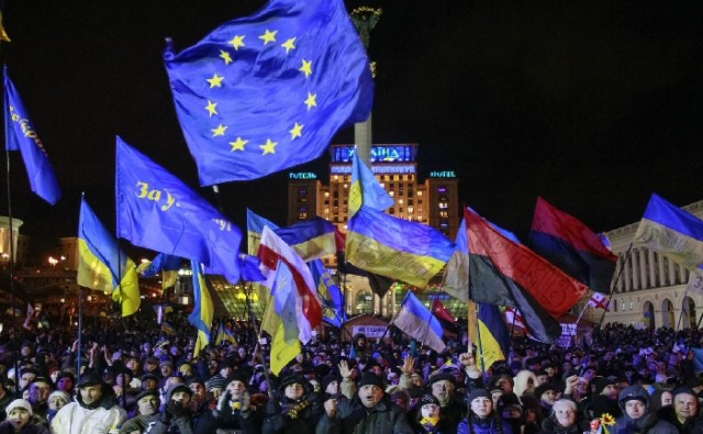 Merkelig at selv 'høyreorienterte' nasjonalister og CIA støttede har blitt tilhengere av Den Nye Verdensordens overnasjonale institusjoner som EU?