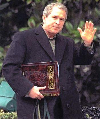 Jr. på vei til Talmud klasse.