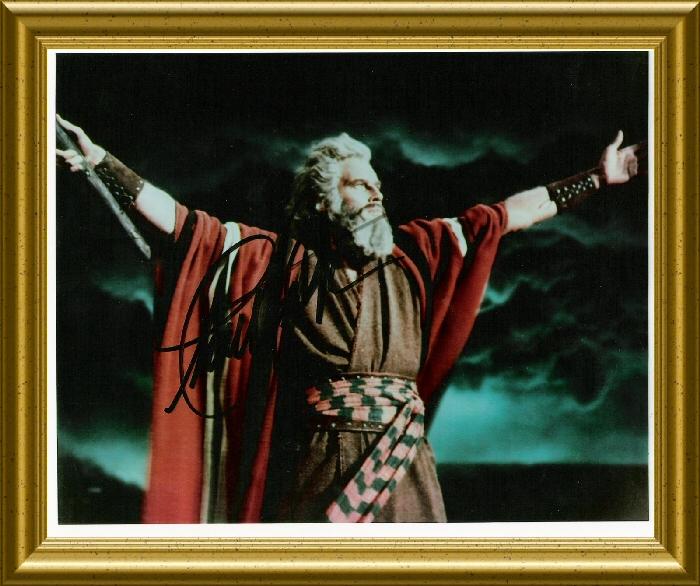 Moses fikk aldri entre Det Hellige Land på grunn av sin krigerske natur. Josva som hadde den rette tro fikk jobben å lede folket inn i det lovede landet.